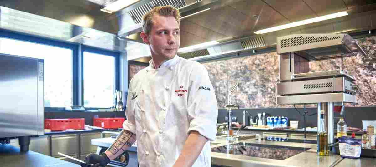 Daniel Klein bringt im ERL-Mitarbeiterrestaurant frische Produkte auf den Ti ...