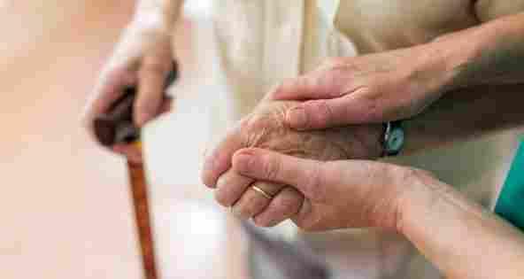 Pflegekosten: Eigenanteil soll gedeckelt werden