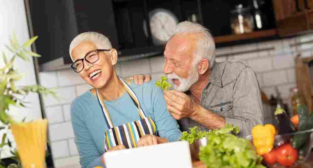 Gesund essen im Alter – Jetzt bloß nicht kasteien